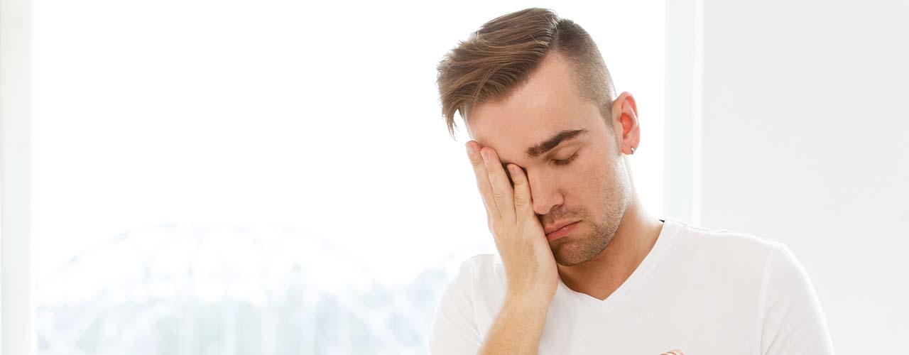 sonolencia-excessiva-diurna-cansaco-hipersonia-incapacidade-da-pessoa-se-manter-acordada